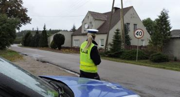 Policjanci zatrzymali prawa jazdy trzem lekkomyślnym kierowcom