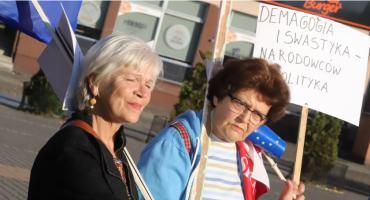 Złotowianie protestowali dzisiaj na Placu Paderewskiego