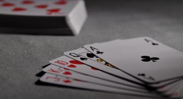 Karty na stół