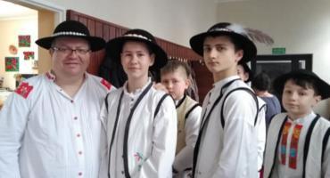 Kolędnicy z MOS-u z Krajenki w Dziennym Domu