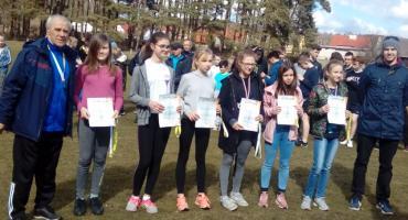 Medale w Mistrzostwach Powiatu w Biegach Przełajowych dla Skórki