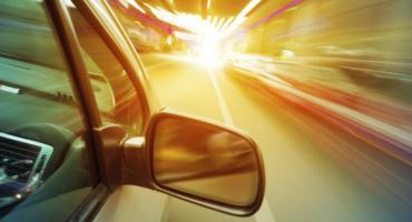 Młody kierowca stracił prawo jazdy i zapłaci wysoką grzywnę