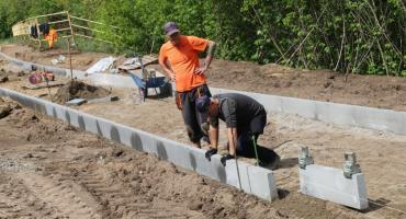 Postępują prace przy budowie II części promenady w Złotowie