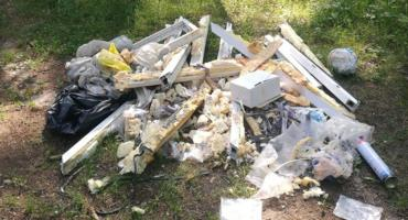 Kolejna przykra sytuacja, kolejne dziko pozostawione śmieci