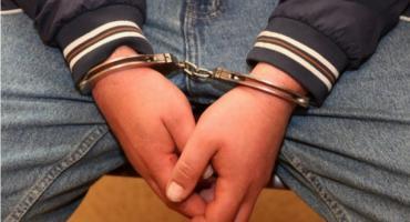 Zatrzymano podejrzanego o kradzież dwóch samochodów osobowych