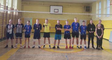 Jesienny turniej siatkówki 3- osobowej w Lipce