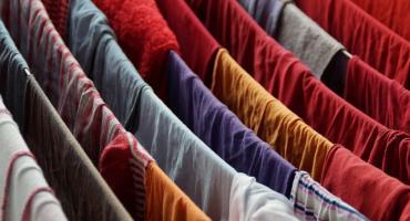 Sposoby na suszenie prania w małym mieszkaniu