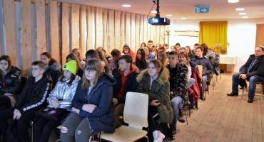 Uczniowie ze Świętej na spotkaniu z wykładem