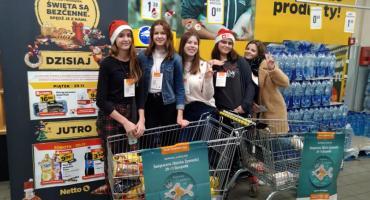 Uczniowie I LO wzieli udział w akcji Świąteczna Zbiórka Żywności
