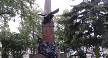 Miejsca pamięci – pomnik ks. Brzóski
