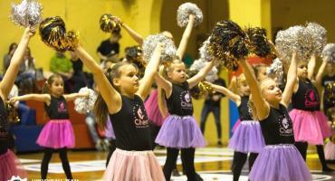 Akademia Cheerleaderek zaprasza na najlepsze zajęcia taneczne z pomponami oraz akrobatykę już od 10