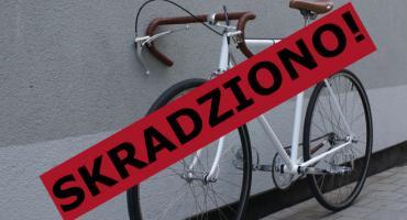 Włamanie i kradzież roweru. Poszkodowany prosi o pomoc
