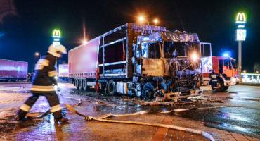 Pożar ciężarówek na MOP Oleśnica Mała