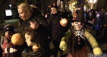 Jeleniogórzanie (i nie tylko) ruszyli w Halloweenowym Pochodzie (VIDEO)