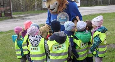 Przedszkolaki z wizytą w  Komendzie Miejskiej Policji w Jeleniej Górze.