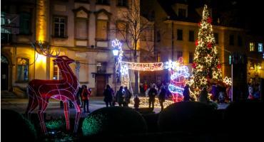 Najazd Mikołajów i rozświetlenie choinki na Placu Ratuszowym