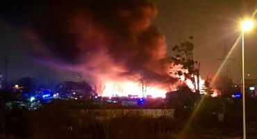 Gigantyczny pożar we Wrocławiu. Płonie sortownia odpadów.