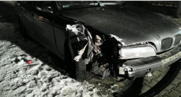 Pijany kierowca spowodował kolizję i uciekł z  miejsca zdarzenia.