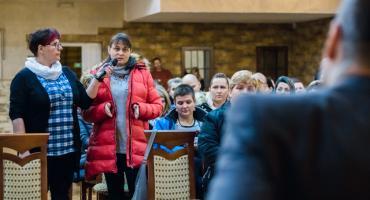 W Piechowicach wciąż nie ma decyzji w sprawie szkół. Zagłosuj w sondzie.