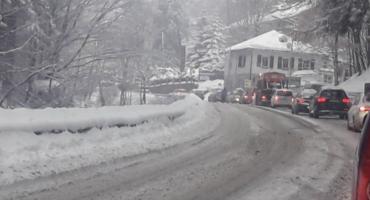 Załamanie pogody. Fatalne warunki na drogach. Włącz Zello