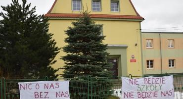 Obronią szkołę w Sosnówce ? Oddaj swój głos w sondzie.