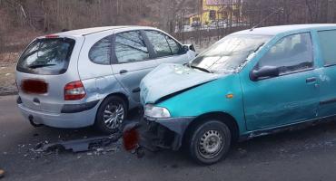 Podgórzyn - Utrudnienia w ruchu po zderzeniu 3 aut