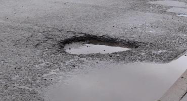 Dziury na drogach - Fatalny stan nawierzchni w regionie - Czekamy na Wasze fotki