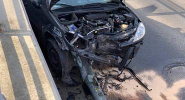 Karpacz - Peugeotem uderzyła w latarnię