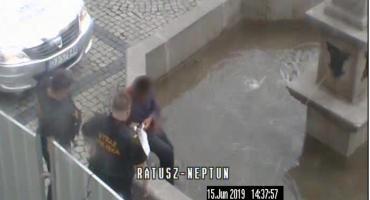 Kąpiel w fontannach - czy to bezpieczne i dozwolone?