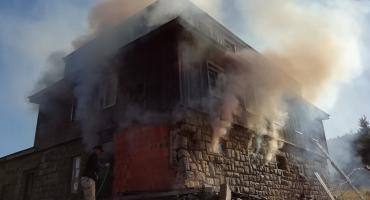 Pożar budynku na Przełęczy Karkonoskiej