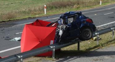 Śmierć w wyniku zderzenia Peugeota z ciężarówką