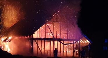 W Sobieszowie spłonął budynek. Czy było to podpalenie ?