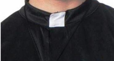Oskarżony o molestowanie nieletniej ksiądz staje przed sądem