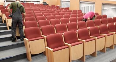 Nowe fotele typu kinowego w Ośrodku Kultury