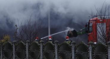Strażacy kilkanaście godzin gasili pożar słomy