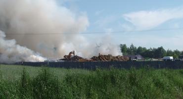 Potężny pożar składowiska odpadów - Aktualizacja