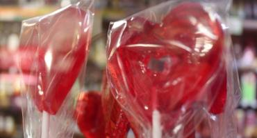Ostrzegamy na Walentynki. Ostrożnie z miłością, bo może zasłonić realny świat!