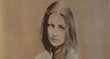 Helena Modrzejewska powieszona w holu Starego Ratusza