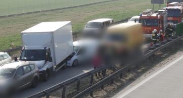 Wypadek na autostradzie. Doszło do zderzenia czterech samochodów