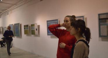 """""""Podwójna rzeczywistość – dialog"""". Finisaż wystawy i spotkanie z Romą Pilitsidis"""