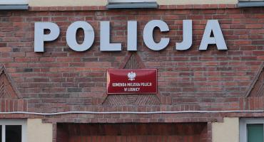 Poszukiwany 30-latek zgłosił się na komendę ... z narkotykami w spodniach