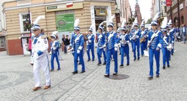 Orkiestry dęte dały popis w legnickim rynku