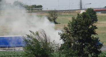 Bus spalił się na autostradzie. Wielkie utrudnienia w ruchu