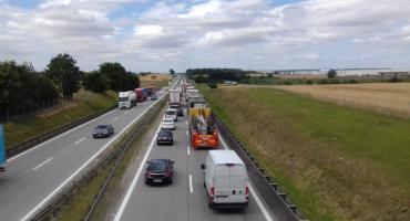 Zderzenie dwóch aut na autostradzie A4