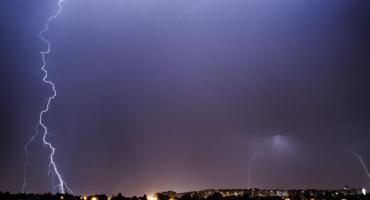 Ostrzeżenie meteorologiczne: burze z gradem w powiece legnickim
