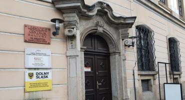Kto ubezpieczy miejski majątek? Ratusz podpisze trzyletnie polisy