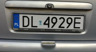 Urząd miasta wybiera dostawcę samochodowych tablic rejestracyjnych