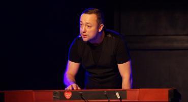 Czesław Mozil wystąpił w Legnicy w roli stand-upera [ZDJĘCIA]