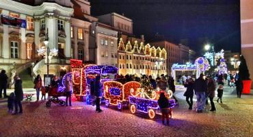 W całym mieście już rozbłysły świąteczne iluminacje [ZDJĘCIA]