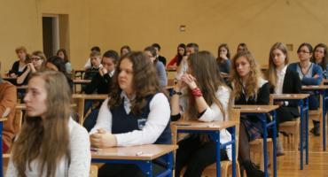 Wyniki matur - w Kaliszu niezłe, a w powiecie tragedia